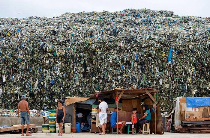 chế phẩm vi sinh khử mùi rác BioFix SOC E xử lý mùi hôi bãi chôn lấp